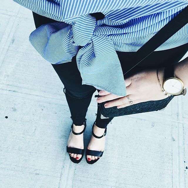 Spacer po mieście. #mondaine #mondaine #black  #white #blue #outfit #walking #butikiswiss