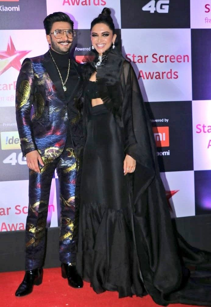 Deepika Padukone With Ranveer Singh At Star Screen Awards 2018 Bollywood Fashion Designer Dresses Indian Fashion