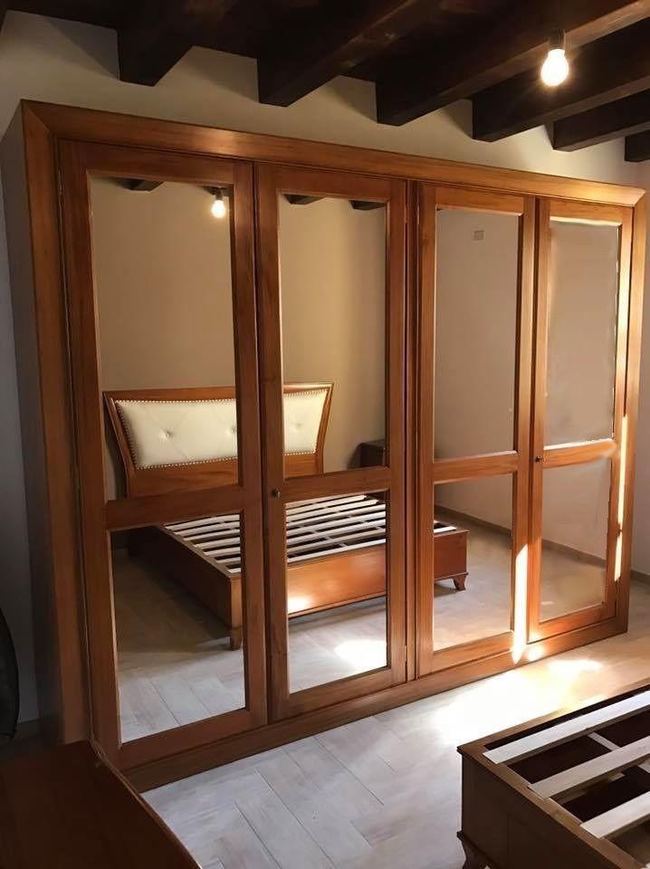 Armadio moderno, in legno massello, ante con specchi