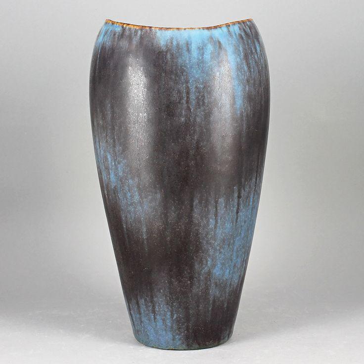 Gunnar Nylund (AXZ 1950s) Amazing Turquoise Biomorphic Vase