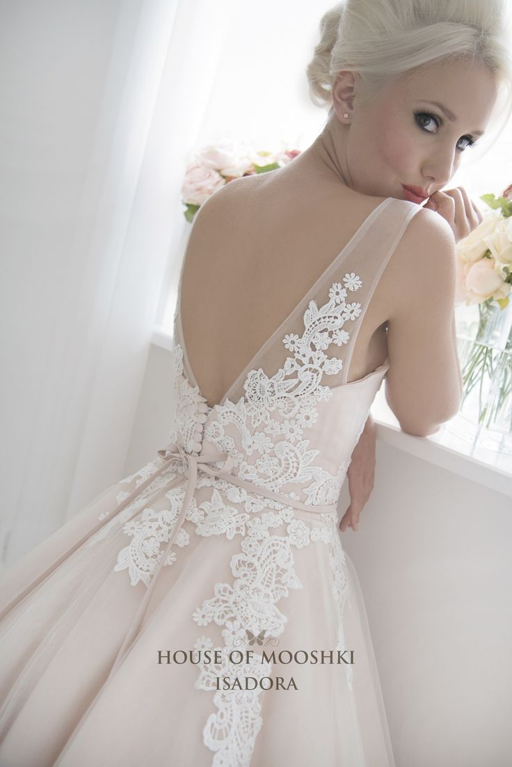 Vintage-Inspired Ivory Lace Wedding Dresses