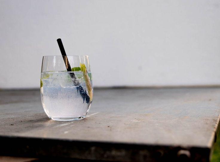 Rhabarber trifft Gin - Rhabarbercocktails für den Frühling
