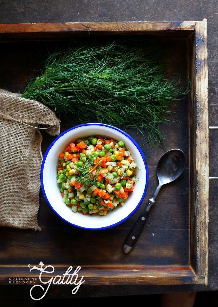 Kulinarne przygody Gatity - przepisy pełne smaku: Sałatka jarzynowa w letnim wydaniu