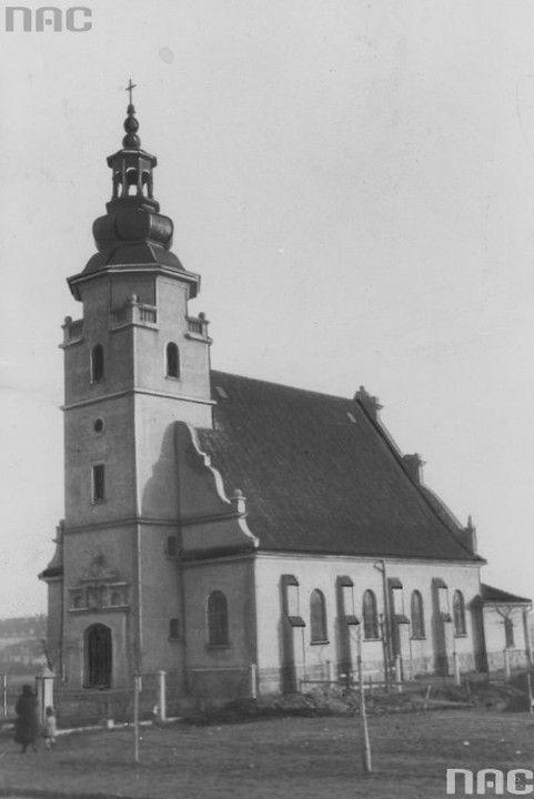 Kościół parafialny Najświętszej Marii Panny Królowej Polski przy ulicy Świętojańskiej w Gdyni. Rok 1923