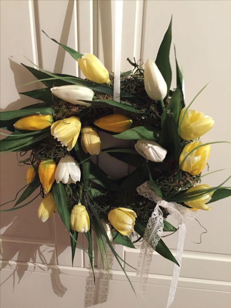 Ajtodisz tulipanokbol