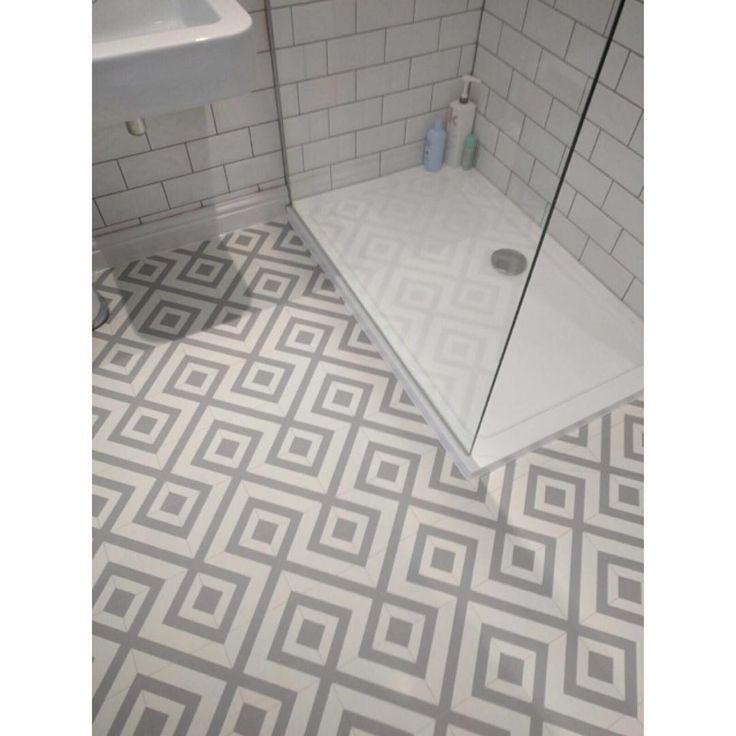 Today S Installation Sagres Bubblegum Liquorice Range Vinyl Floor Flooring Bathroom