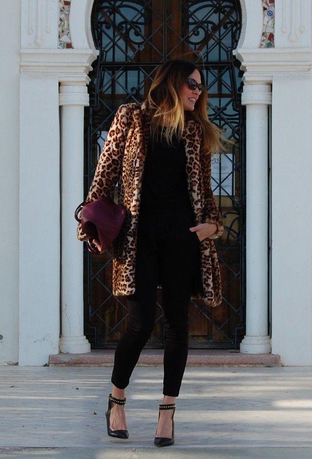Zara  Abrigos, Zara  Crop tops and Bdba  Pantalones