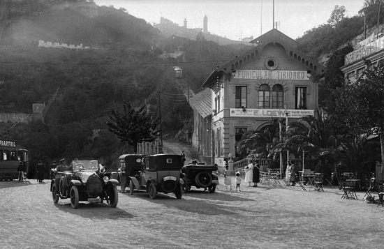 Ferrocarrils a Barcelona: fotografies del MFVG i de l'IEFC - Arxiu Històric Fotogràfic. Departament de Documentació. IEFC.
