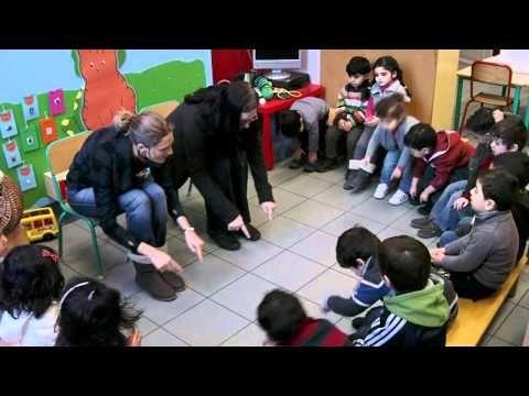 Liedje - trek je mooie schoenen aan - YouTube