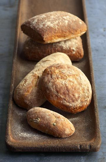 eco-earth:    oh how I love photos of bread, a weird obsession I have
