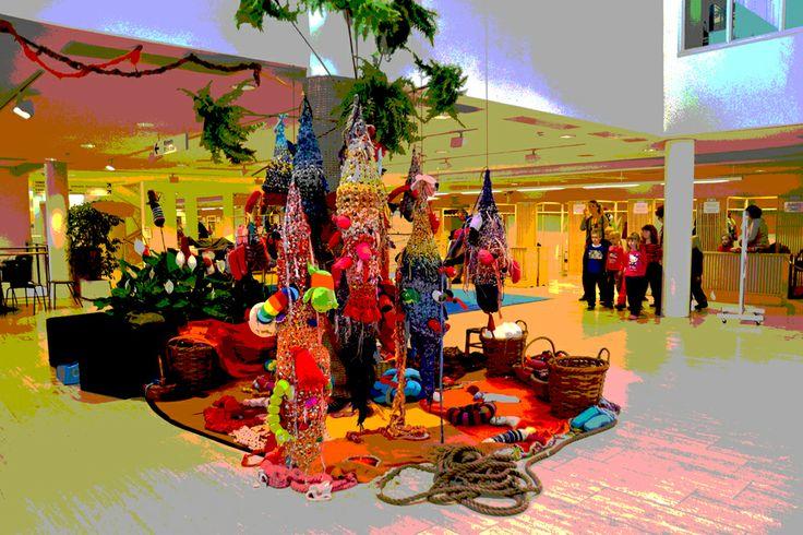 Nests on the Isle -installation Kutitus –festival Espoo Cultur Centrum 2013 - nests by Annukka, the isle with Tikke Tuura