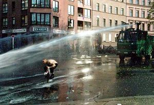 Water cannon - Wikipedia, the free encyclopedia