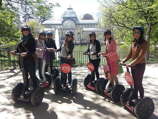Envie de parcourir la ville via un moyen de transport unique ? Le segway est fait pour vous !