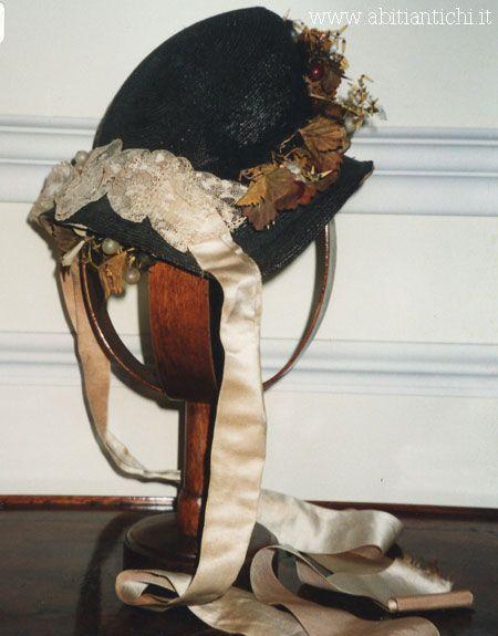 -Abiti Antichi- cappello 15