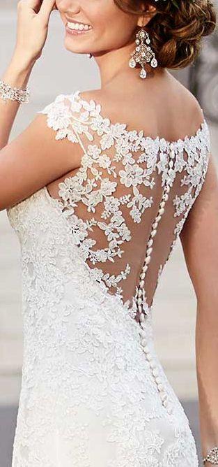 Stinningly Gorgeous Gown ❤︎ #dream #wedding #inspiration