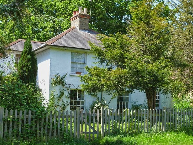 Early 19th century Strathearn Cottages in Totteridge, UK