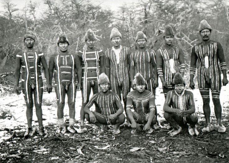 Selk´nam People - Tierra del Fuego. Fotografía de Martín Gusinde.