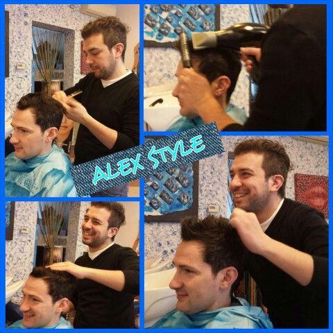 Per i maschietti che vogliono un look fashion... ecco il taglio clou della stagione 2015! Alex Style vi propone un capello corto con effetto spettinato! Ogni settimana nuove idee per un look alla moda e sempre perfetto!  #followme #seguimi #hairstylist #parrucchiere #acconciatore #capelli #hair #hairstyle #look #beauty #bellezza #taglio #haircuts #fashion #unnomeunagaranzia #smile #happy