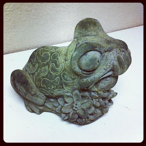 Cast Stone Sassy Frog #oldworldpotteryofwichitafalls #caststone #stonework #sassy #frog #statue #statuary #patina