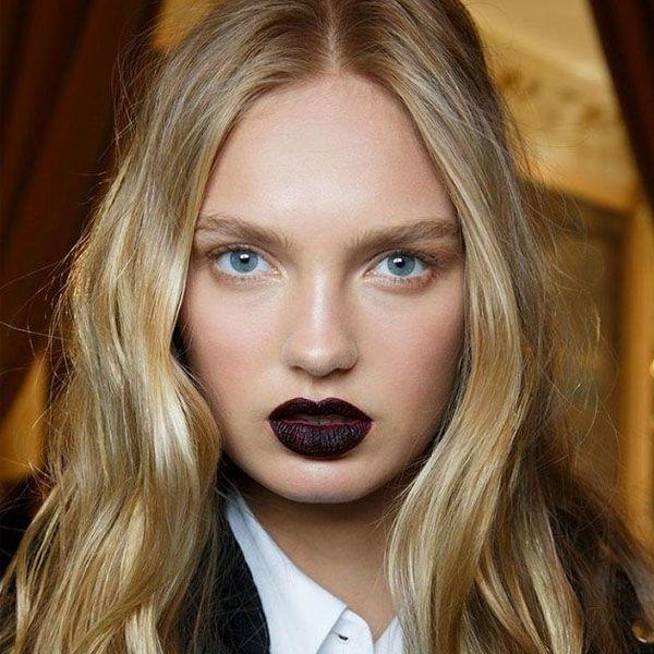 modelo-dicas-de-beleza-batom-escuro