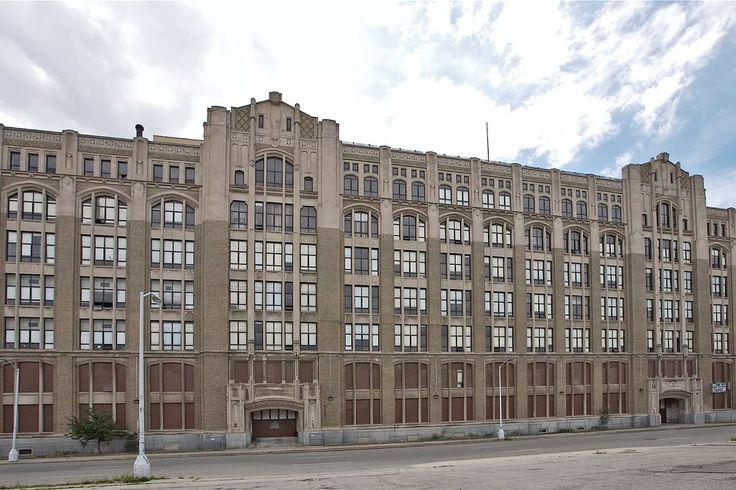 Reminiscing with alumni about former Detroit high