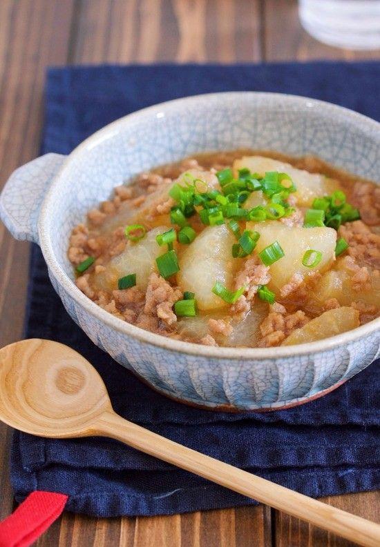材料入れてコトコト煮るだけ♪ご飯がすすむ♪『とろとろ大根の甘辛♡中華そぼろあん』|LIMIA (リミア)