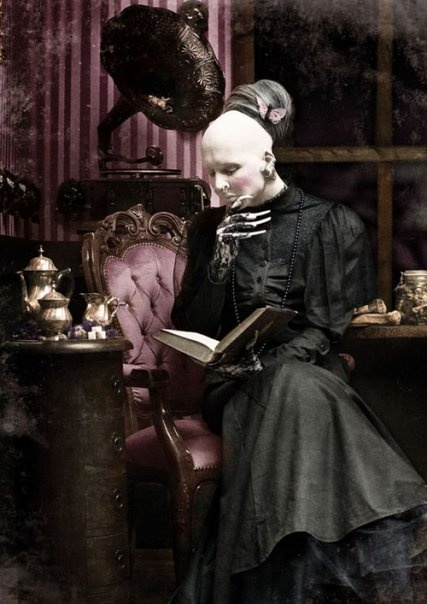 Sopor Aeternus / Anna Varney y el placer de leer. Es tan victoriana <3