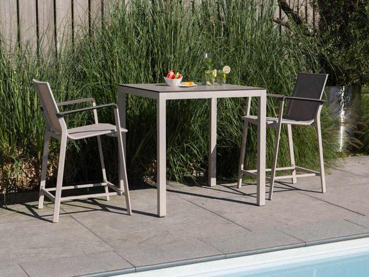 die besten 25 outdoor barhocker ideen auf pinterest paletten barhocker und bar im hinterhof. Black Bedroom Furniture Sets. Home Design Ideas