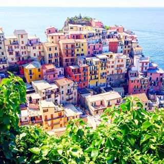Manarola looking completely beyond words     See more travel diaries on: http://www.kisforkani.com/category/travel/