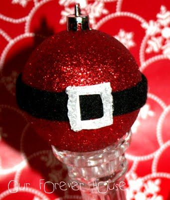 I already have red glitter ornaments.. Looks so easy to pull off