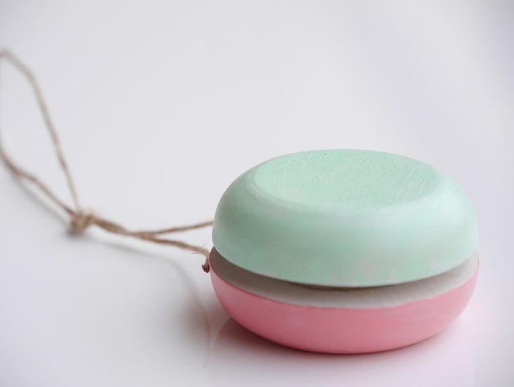 Yo-Yo Pink Celadon