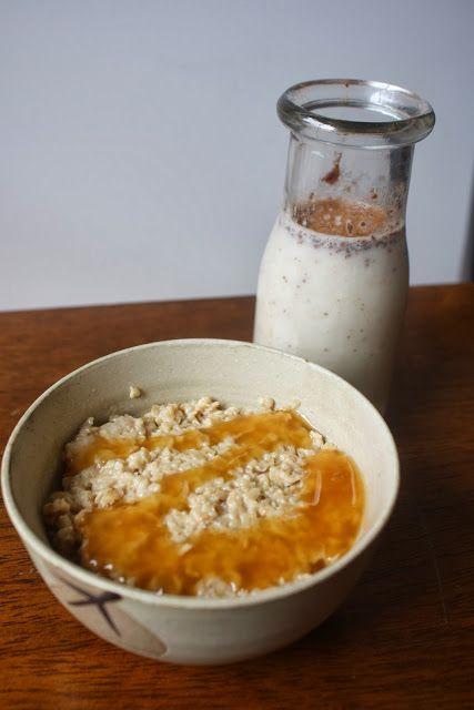 Vanilla Caramel Latte Oats w/ Spiced Banana Mylk