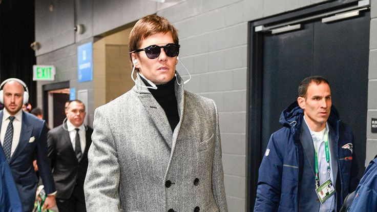 FOX NEWS: Tom Bradys Super Bowl coat mocked on Twitter likening him to Inspector Gadget Zoolander