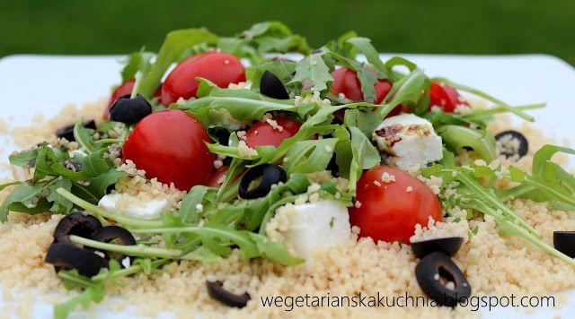 Wegetariańska Kuchnia: Sałatka z kaszą kuskus i pomidorami oraz rukolą