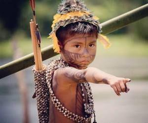 A young Munduruku in the community of Waroapompu in the Tapajós region of Brazil. © Maira Irigaray.