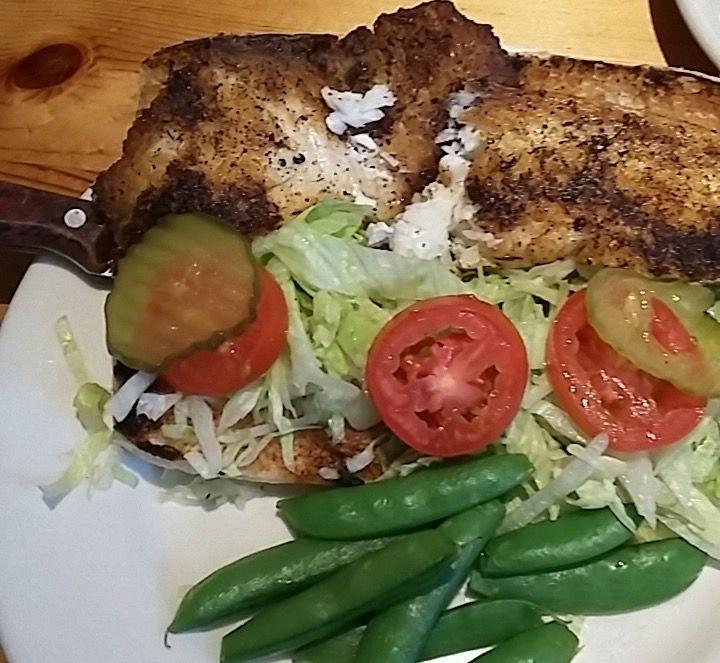 7/6/16 (470c) Po' Boy & steamed veg.  Rockfish Grill low cal menu!
