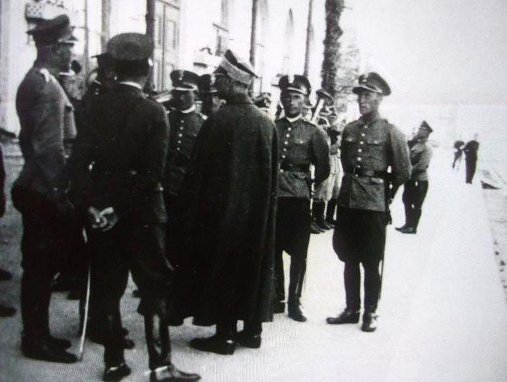Oficerowie i podoficerowie 20 szwadronu '' Nowe Święciany'' , lata trzydzieste