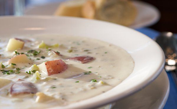 Boston's Best New England Clam Chowder recipe. This New England favorite is a breeze to make wherever you live. There are quite a few ingredients, but you'll find that most are already in your pantry.