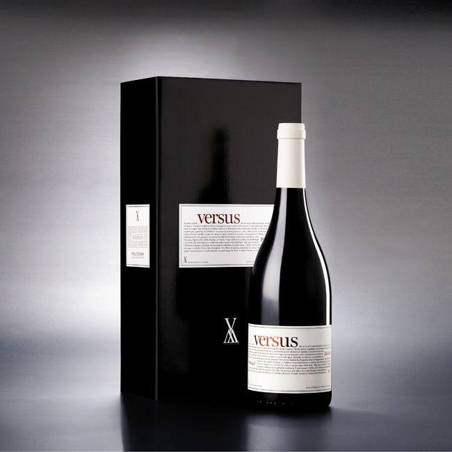 Versus red wine photo by Óscar Almeida