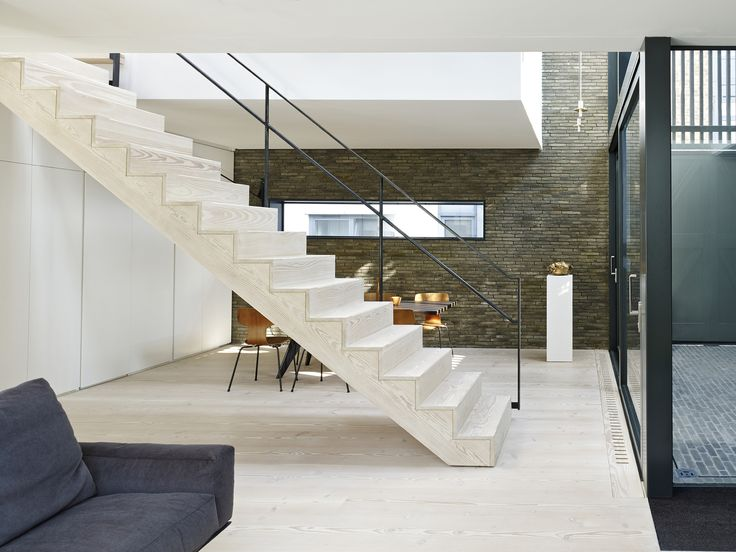Image 1 of 18 from gallery of Blackbox / Form_art Architects. Photograph by Tim Soar
