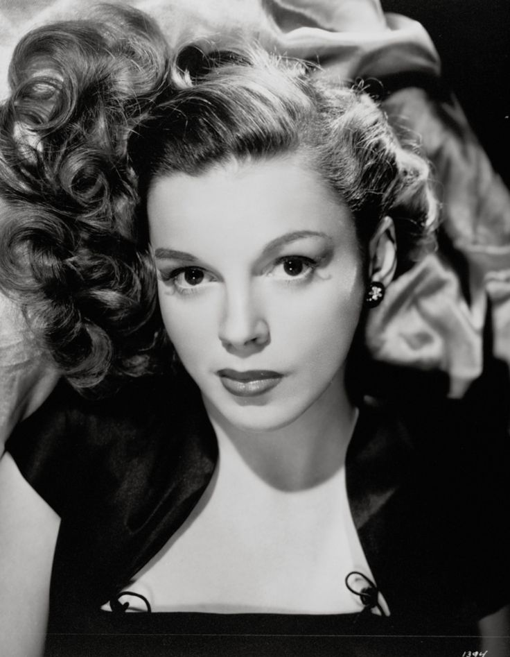 """JUDY GARLAND ~ Born: June 10,1922, in Minnesota, USA. Died: June 22, 1969 (age 47) of a Barbiturate overdose. Made her film debut in """"Harmony Parade"""" (1936). Shot to stardom in """"The Wizard of Oz"""" (1939). Starred alongside Lana Turner & Hedy Lamarr in """"Ziegfeld Girl"""" (1941). Starred in """"Me in St. Louis"""" (1944). Danced w/ Fred Astaire in """"Easter Parade"""" (1948). Won a Golden Globe for """"A Star Is Born"""" (1954). In 1997, Judy was posthumously awarded a Grammy Lifetime Achievement Award."""