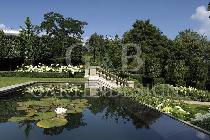 Exklusives Gartendesign. Klassisch elegante Gartengestaltung #garden #garten #design #landscaping #pflanzen #gartenbau #hamburg #gardendesign #outdoor #luxury