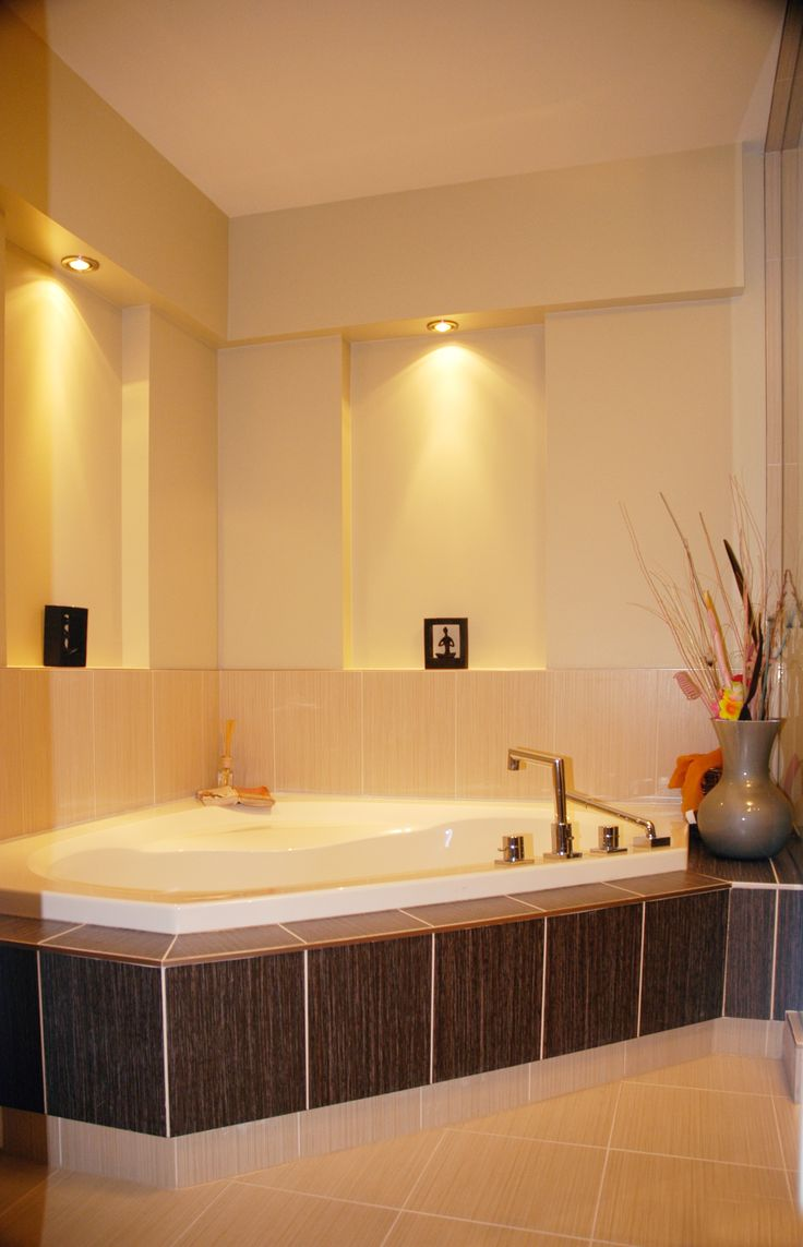 Recessed Bathtub Pot Lights Great To Accent Bathtub Backsplash And Recessed Area Can Be Used