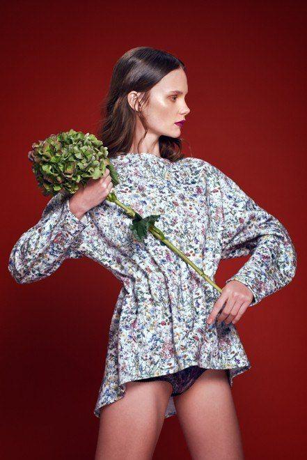 NEW ARRIVALS. Весенние мотивы неизбежно сменяют серые цвета зимнего гардероба. Льняные платья, свободные хлопковые сарафаны, украшенные флористическими принтами в коллекциях SS '15 и Resort бренда Loznevaya уже доступны на suitster.com  купить http://suitster.com/brends/f_6-76/  #suitster #online #store #fashion #style #loznevaya #newarrivals