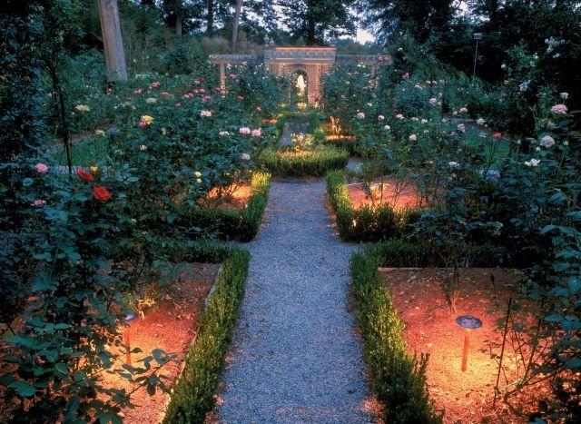 beleuchtung garten solar pollerleuchten blumenbeete rosen | garten, Terrassen ideen