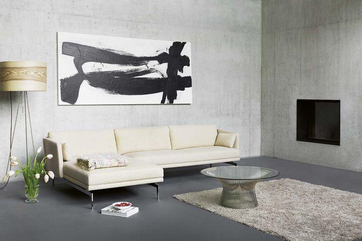 Mit Anbauelementen, zwei Liegebreiten, zwei Sitztiefen, zwei Fussvarianten, klappbaren Armlehnen, Fuss- und Kopfstütze lässt sich das Sofa optimal auf individuelle Bedürfnisse anpassen.