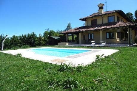 Balthazar  Appartement op de begane grond van een volledig gerenoveerde villa bestaande uit twee appartementen in totaal zich binnen het terrein van een boerderij in een zeer rustige ligging op de hellingen van een heuvel in een gebied bezaaid met wijngaarden en staat bekend om haar culinaire traditie . De plaats is ideaal voor diegenen die hun vakantie doorbrengen in de groene en ontspannen als de villa heeft een gedeeld zwembad dat een prachtig uitzicht op het omliggende landschap biedt…