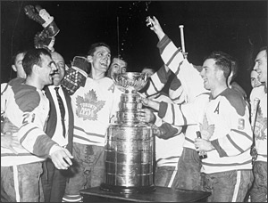 The Toronto Maple Leafs defeat the defending Stanley Cup champion Chicago Blackhawks 4 games to 2. The Leafs would win three Stanley Cup titles in succession, and four in six years.
