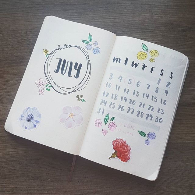 Day 3 of the #planwithmechallenge  this is my July spread in my test journal, the one in my bujo is so ugly  one of my best friends and my mothers birtdays are in July so this is going to be a good month ❤❤  .  .  .  #bulletjournal #bulletjournalnorge #bulletjournalcollection #bulletjournalcomunity   #bujo #bujocommunity #bujojunkies #journal #journaladdict #journaling