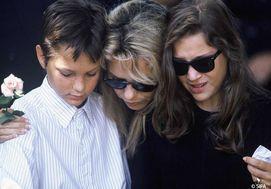 France Gall et ses enfants aux funerailles de Michel en 1992